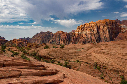 Fantastic red and orange peaks of Snow Canyon State Park in Southern Utah.