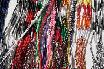 collane e altro accessori abbigliamento