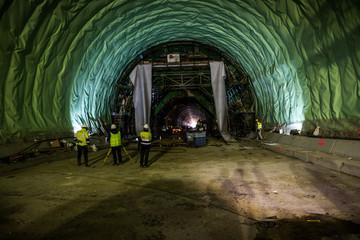 Construcción túnel ferroviario para el tren AVE
