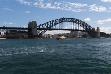 Sydney-Bridge mit Blick vom Hafen in Sydney Australien