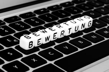 Bewertung Buchstaben auf Tastatur