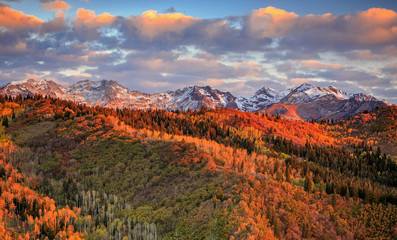 Wall Mural - Fall sunrise in the Wasatch Back, Utah, USA.