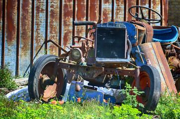 Oldtimer, rostig alt, auto, Schrott, braun, Traktor