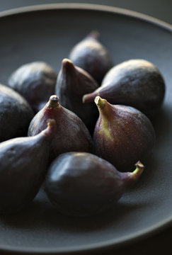 Bowl of black mission figs