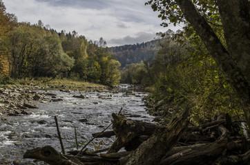 rzeka przełom
