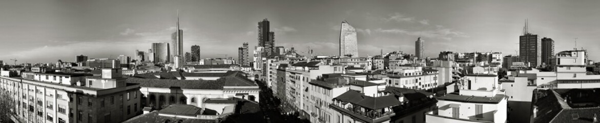 SkyLine Milano Bianco e nero