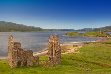 Ardvreck Castle on the shores of Loch Assynt, Sutherland, Highlands of Scotland