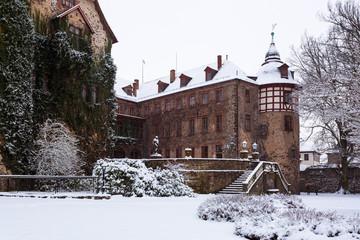 Schloss Laubach verschneit III
