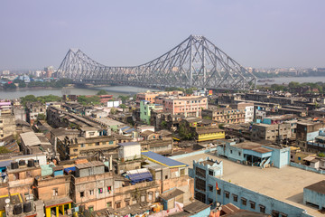 Howrah bridge - The historic cantilever bridge on the river Hooghly during the day in Kolkata, India. Top view photo Papier Peint