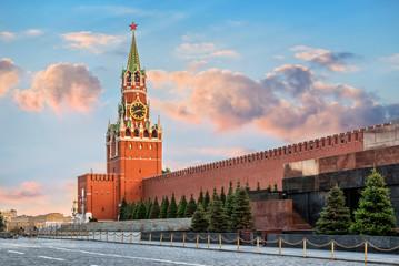 Спасская башня Московского Кремля The Spasskaya Tower of the Moscow Kremlin