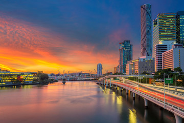 Fotorolgordijn Australië Brisbane. Cityscape image of Brisbane skyline, Australia during dramatic sunset.