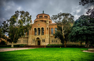 Powell Library in UCLA