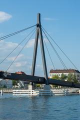 Stahlseil Brücke über die Spree