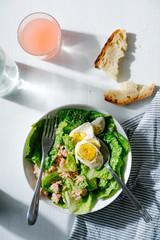 Salad with egg and tuna
