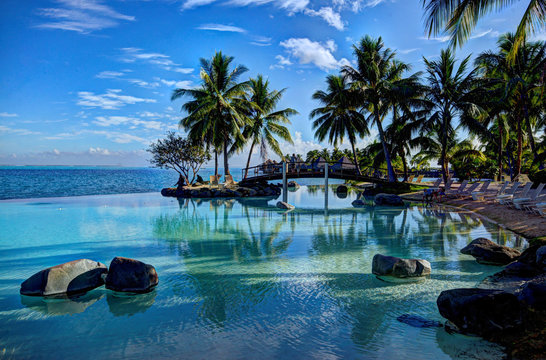 Infinity pool in Tahiti with Moorea in the distance