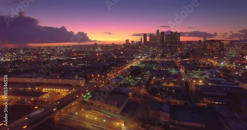 Fotobehang Aerial view of downtown of city of Los Angeles, scenic sunset. 4K UHD.