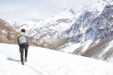 Escursione invernale alla diga di Place Moulin