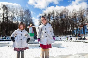 little girls dansing during Shrovetide