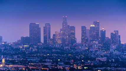 Klistermärke - Low clouds moving over downtown Los Angeles skyline at dusk. 4K UHD timelapse.