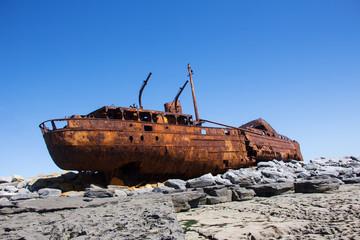 Acrylic Prints Shipwreck Schiffswrack auf Inisheer - Irland