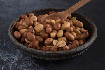 Peanuts with skins