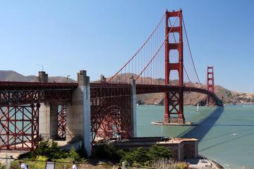 Golden Gate Bridge bei wolkenlosem Himmel und klarer Sicht .Where: San Francisco, USA.When: 18.07.2015.