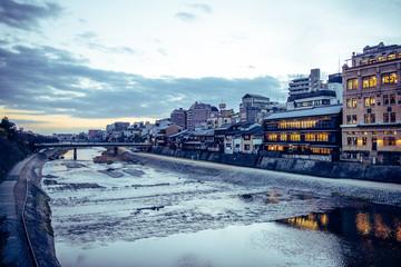 京都観光 河原町 四条通りの風景