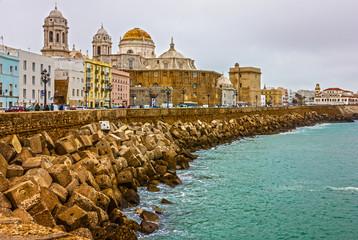 Spoed Foto op Canvas Stad aan het water Cadiz town, Spain. Sea front Cathedral Campo del Sur