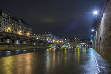 Sena river in Paris at night