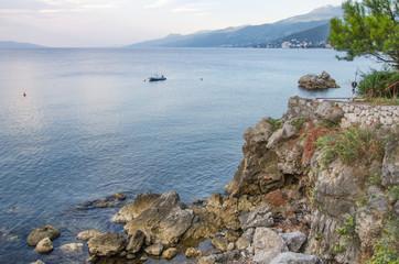 Blaue Stunde an der Mittelmeerküste
