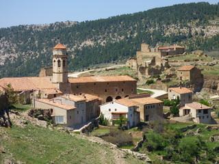 Cañada de Benatanduz, pueblo de España, en la provincia de Teruel, Comunidad Autónoma de Aragón, de la comarca del Maestrazgo.