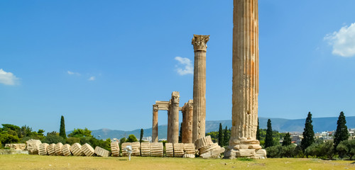 Wall Mural - Olympian Zeus columns  ruins  in Athens  Greece
