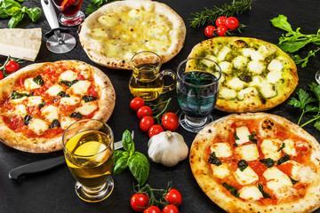 一般的なピッツア 典型的なイタリア料理 Mix pizza Italian food