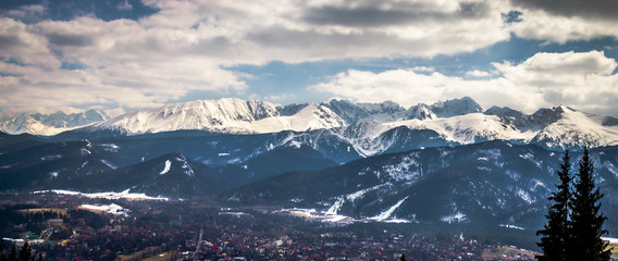 Fotomurales - Winter mountains panorama of Zakopane,  High Tatra Mountains, Poland