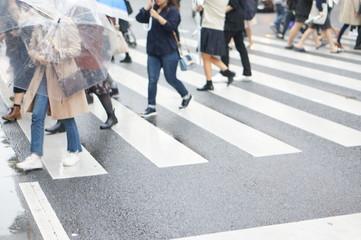 雨の日の足元