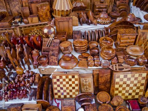 Thuja Holz Verwendung afrikanisches handwerk aus thuja holz stockfotos und lizenzfreie