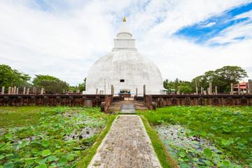 Yatala Wehera buddhist stupa