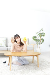 Young woman house-hunting image