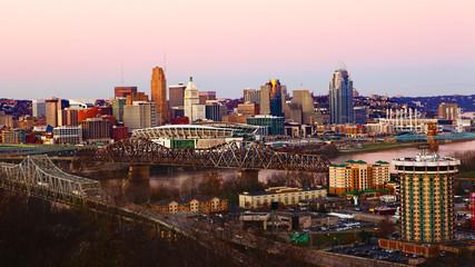 View of the Cincinnati, Ohio skyline at dusk