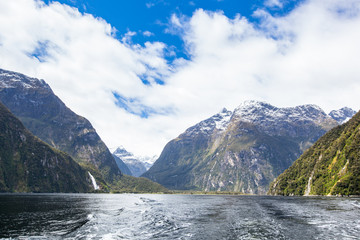 Milford Sounds, New Zealand Mountains