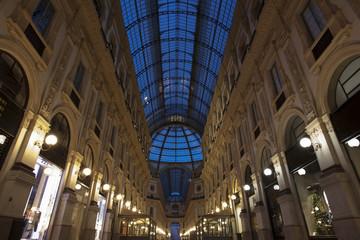 Galleria del Duomo di Milano di sera