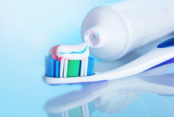 toothbrush with paste with reflection