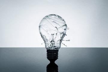 Bulb water splash