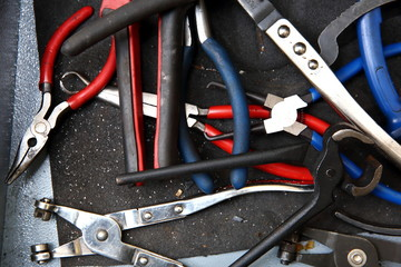 In the real mechanic's drawer there are always many specialized tools that help and improve work at all times.