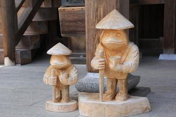 四国霊場第33番札所 雪蹊寺にある木彫りの像