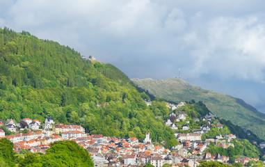 Blick zum Aussichtspunkt Floyen in Bergen, Norwegen