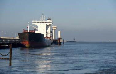 Tanker in Cuxhaven