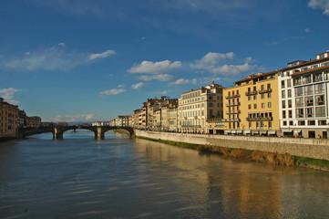 Firenze lungo il fiume Arno