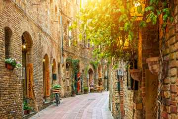 Alley in old town, San Gimignano, Tuscany, Italy
