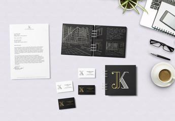 Maquetas de cuadernos con cierre de alambre y material de papelería